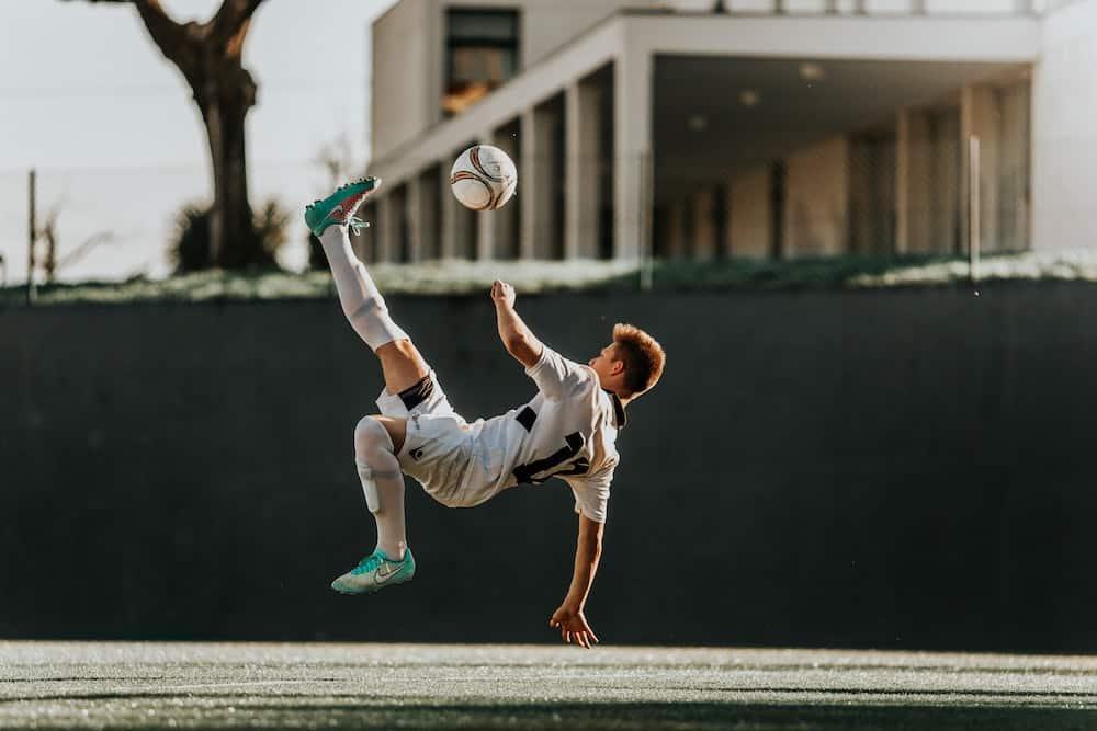 obstawianie piłki nożnej w weekend